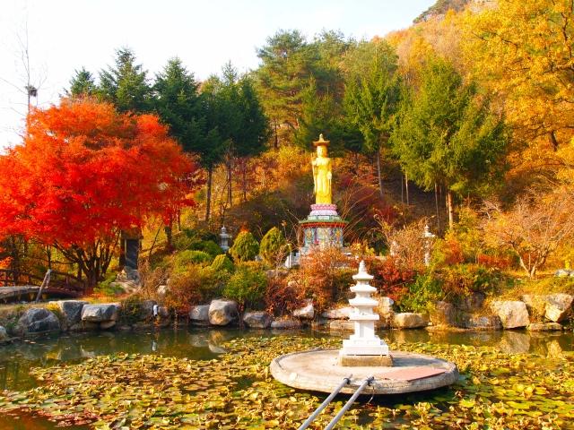 the beautiful grounds of Geumdangsa Temple